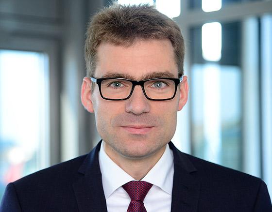 Portraitfoto von Prof. Dr. Felix Schindler, MRICS, Head of Research & Multi Manager Business